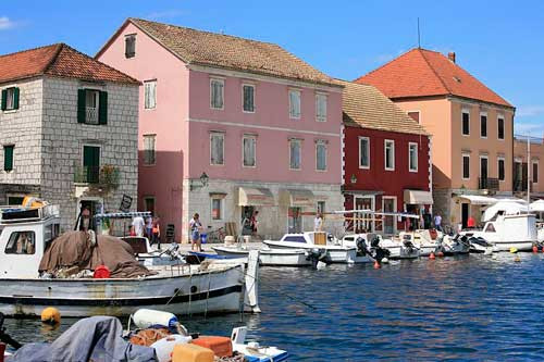 cheapest-places-to-live-and-travel-in-europe-8-Stari-Grad